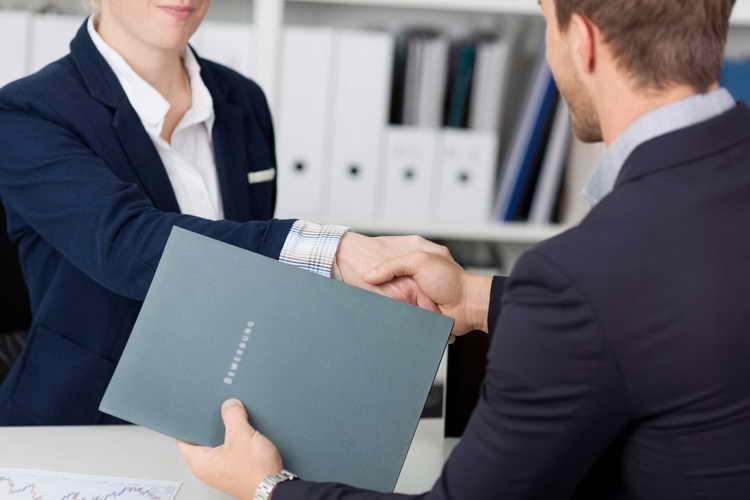 استخدام کارمندان متوسط بدتر از استخدام کارمندان بد است