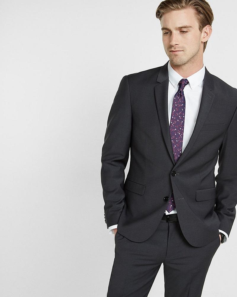 لباس مناسب و رسمی کار