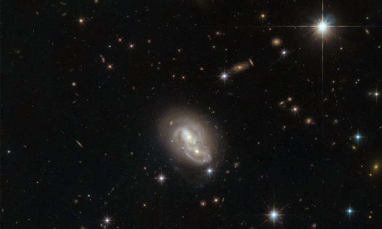 Two galaxies in the Hare constellation