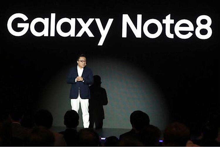 اولین گوشی سامسونگ با نمایشگر منعطف، سال آینده راهی بازار میشود