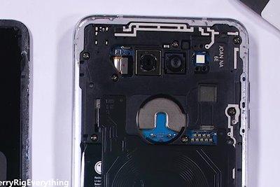 کالبدشکافی ال جی وی 30 نشان از دوربین باکیفیت این محصول دارد