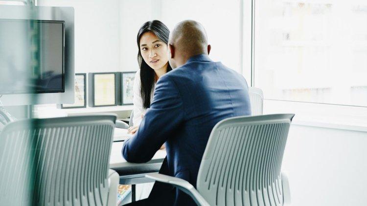 گوش دادن فعال مهمترین مهارت ارتباطی مدیران
