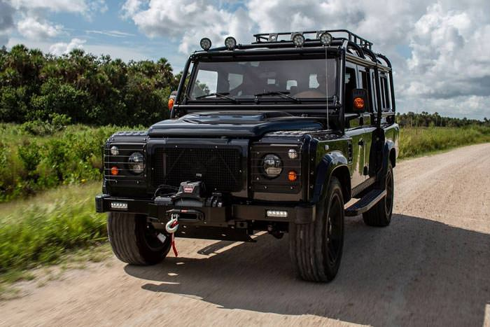 Land-Rover Defender ECD