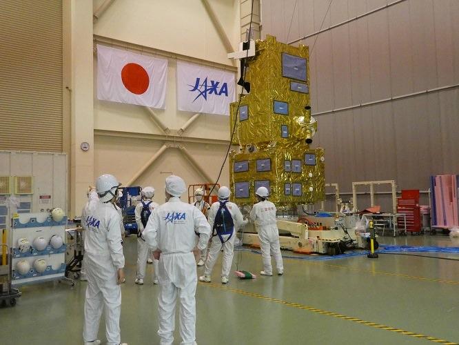 خلیفه ست، نخستین ماهواره ساخت امارات توسط ژاپن به فضا پرتاب شد