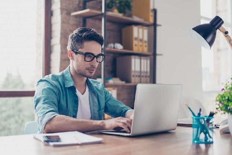 مواردی که هنگام استخدام فریلنسرها باید درنظر بگیرید