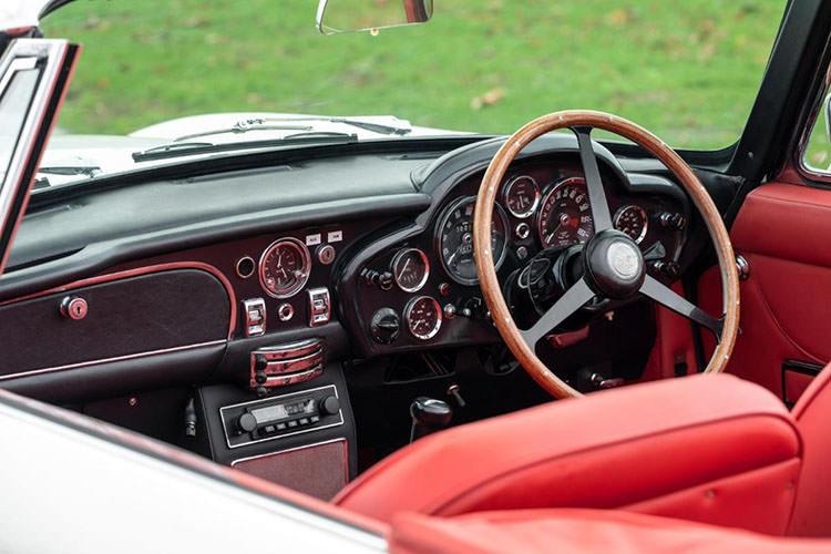 Aston Martin DB6 MkII Volante / استون مارتین ولانته