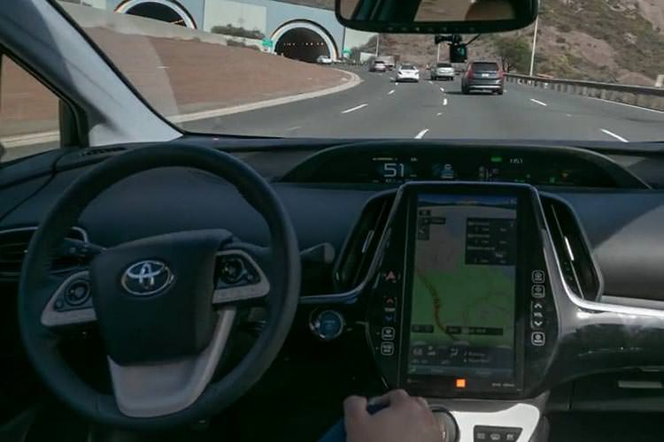 self-driving Toyota Prius / تویوتا پریوس خودران