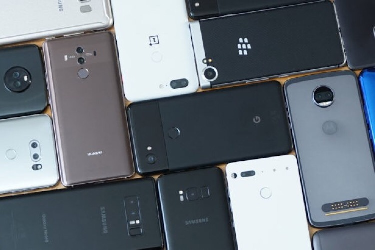 فروش گوشی هوشمند در چین ۳۴ درصد نسبت به سال قبل کاهش یافت