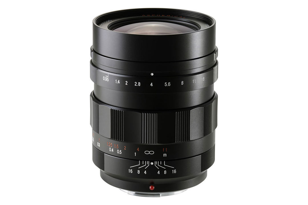 فوخلندر نوکتون 17.5mm F0.95 Aspherical