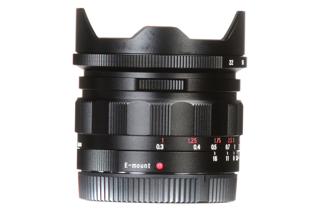 فوخلندر 15mm F4.5 Super Wide Heliar