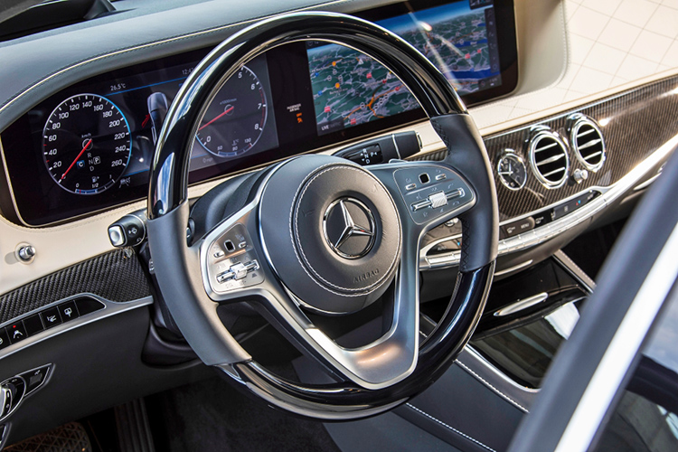 Mercedes-Benz S class screen