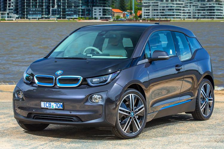 استفاده از خودروی الکتریکی بی ام و i3 به عنوان مولد برق