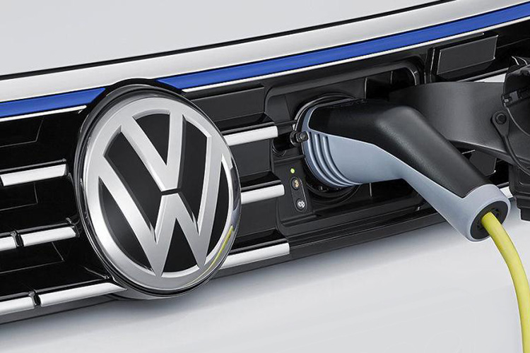 VW  charge plug in
