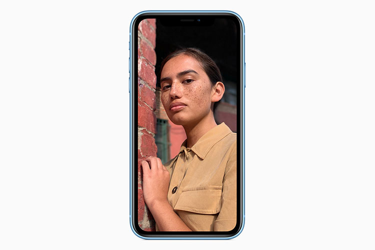 آیفون 10 آر / iPhone XR
