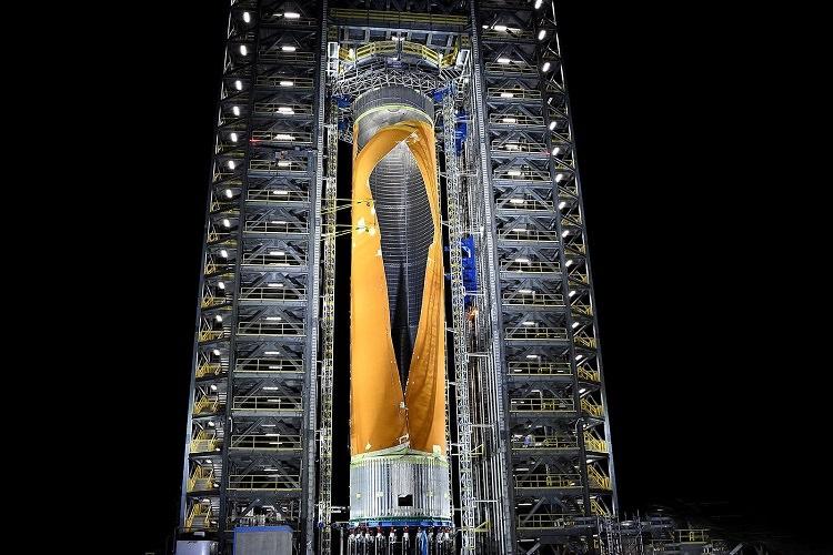 ناسا قدرتمندترین راکتش را رونمایی کرد