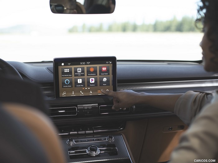 lincoln aviator audio system