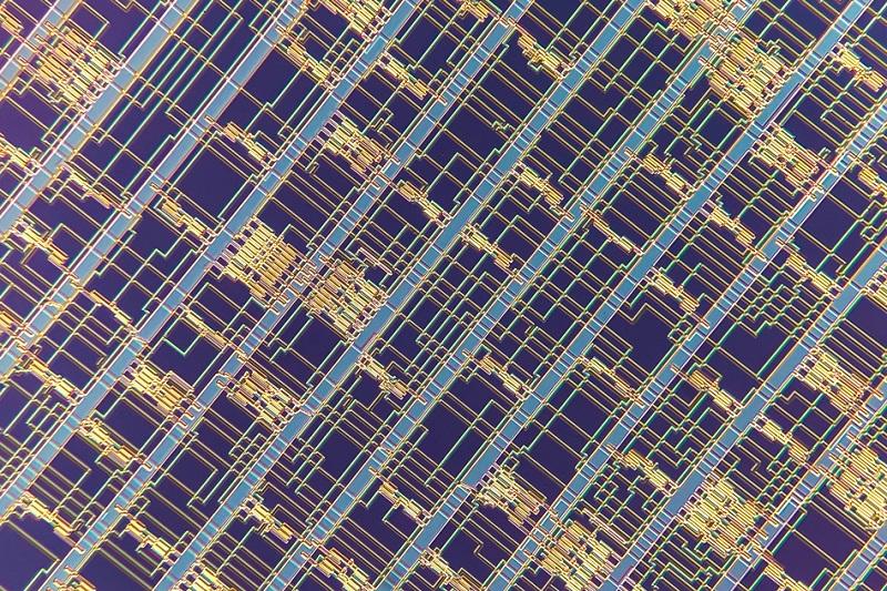تولید اولین تراشه RISC-V ساختهشده با نانولولههای کربنی