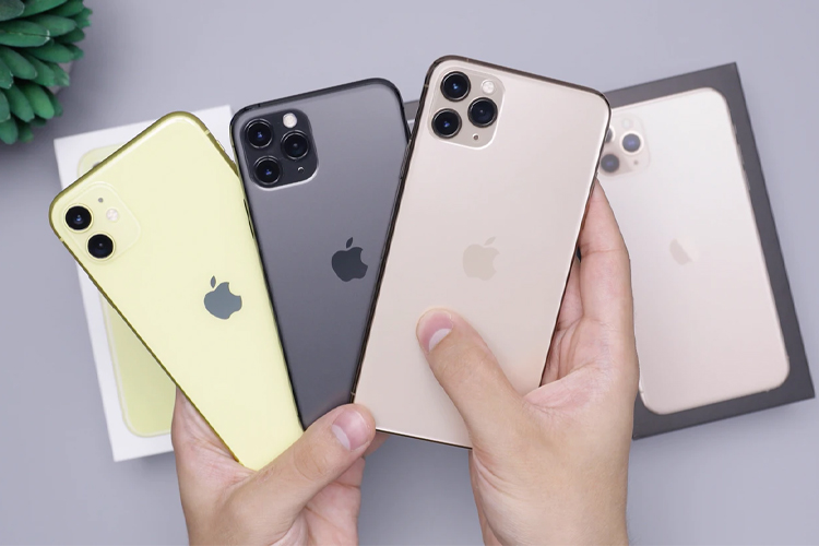 iPhone / آیفون