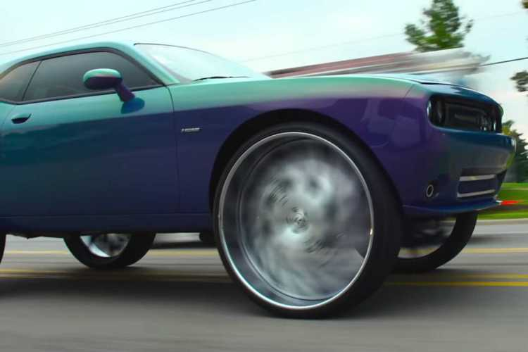 dodge-challenger-34-inch-wheels