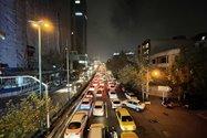 نمونهعکس دوربین اولتراواید آیفون ۱۲ پرو مکس در تاریکی - ترافیک بزرگراه حقانی