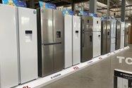 یخچال و فریزر برند تی سی ال و ایکس ویژن در کارخانه لوازم خانگی مادیران