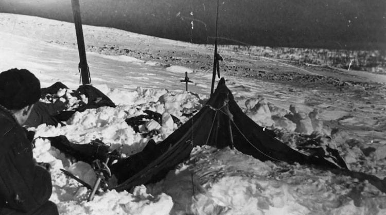 حادثه گذرگاه دیتلوف: چادر
