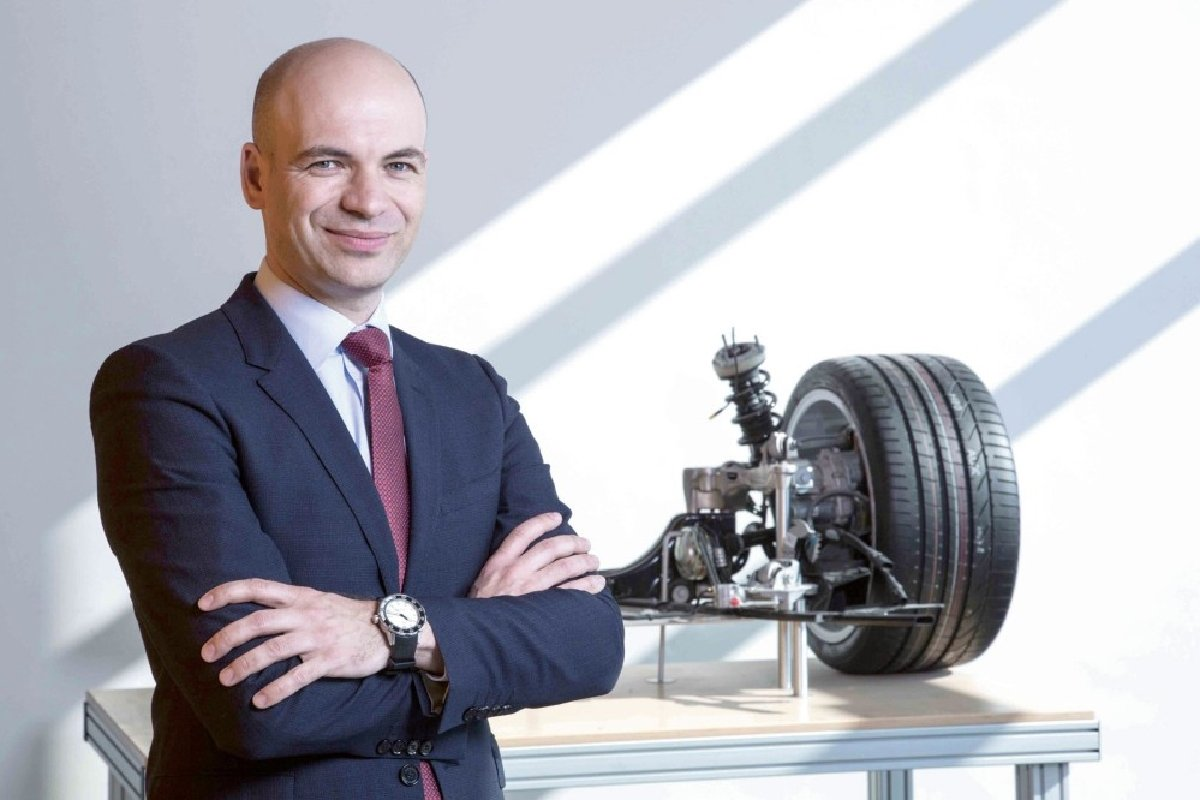 اپل رئیس توسعه شاسی خودروهای پورشه را استخدام کرده است