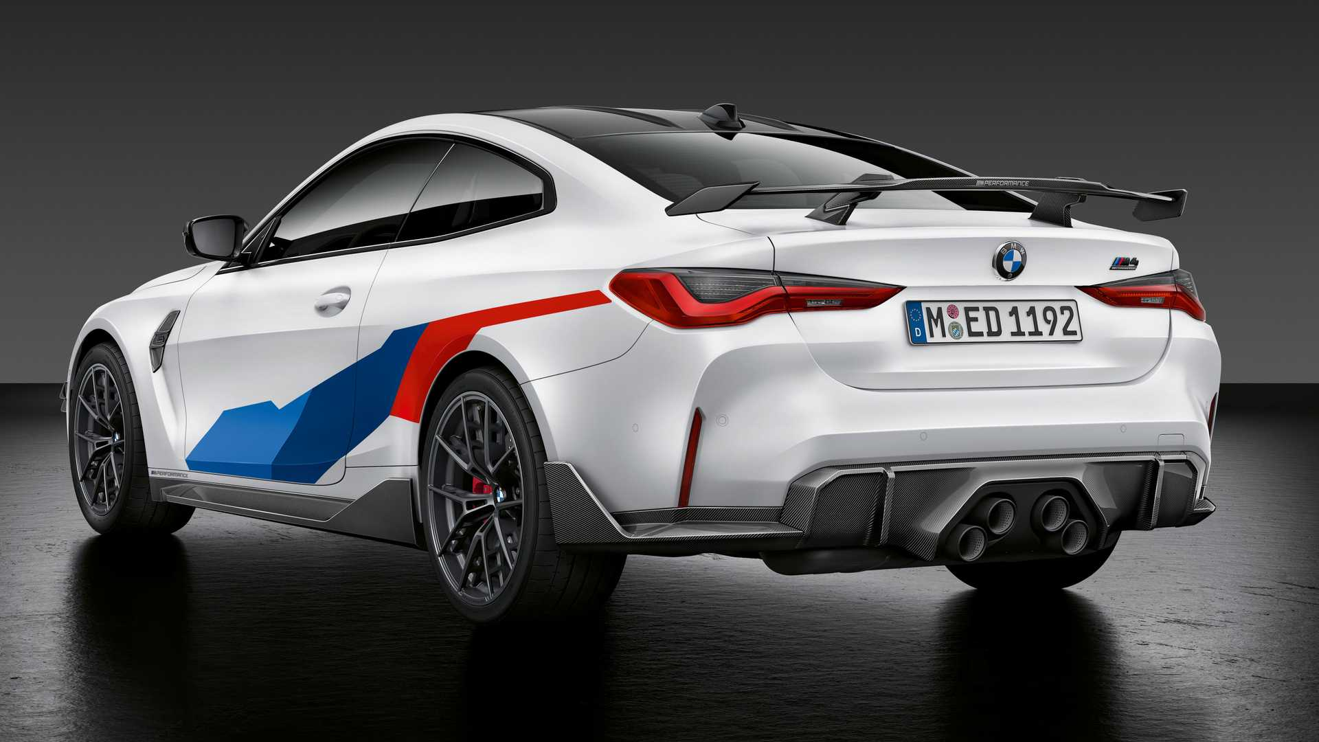 کوپه بی ام و ام 4 /  BMW M4 Coupe سفید رنگ