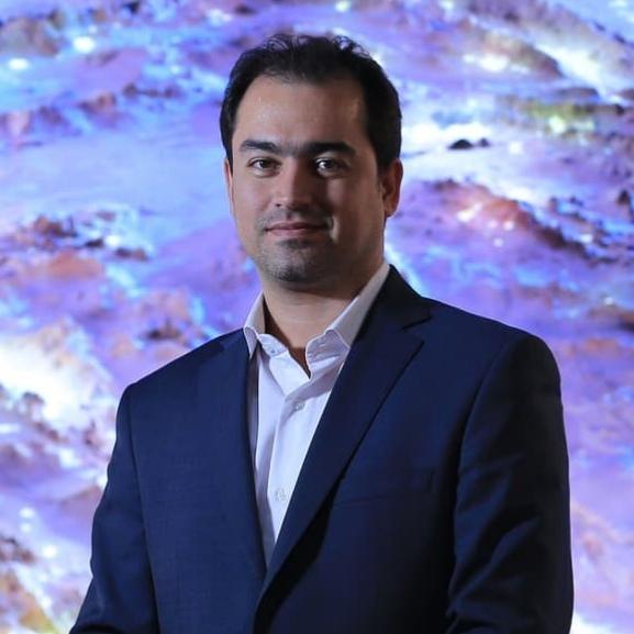 احسان فدایی، مدیر ارتباطات شرکت سام الکترونیک