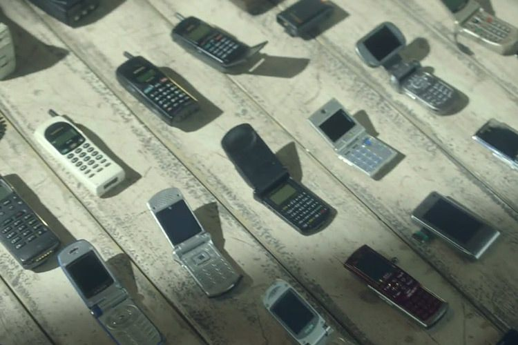 تماشا کنید: سی سال موبایل!