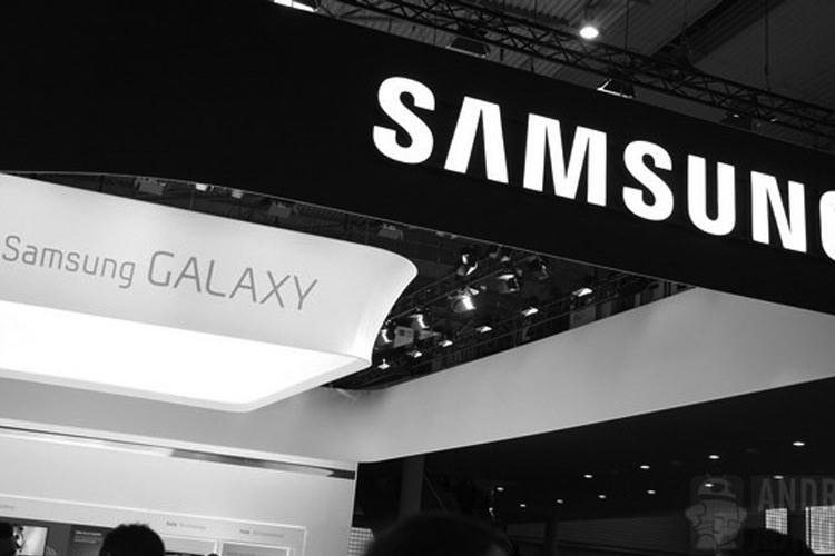 احتمالا تلفن گلکسی F سامسونگ به همراه بدنه فلزی و همزمان با گلکسی S5 رونمایی خواهد شد.