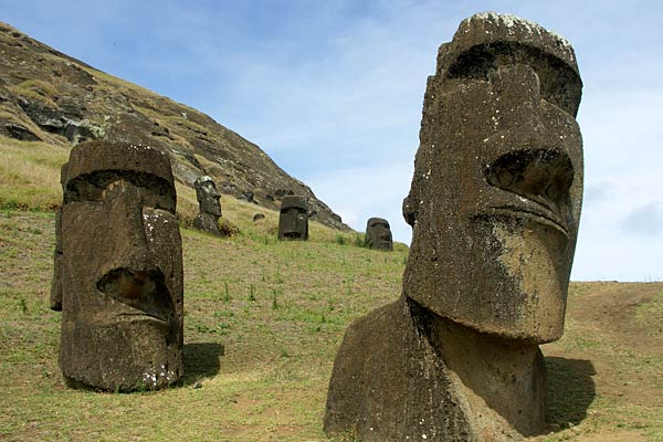 easter-island-most-relaxing-places-in-the-world