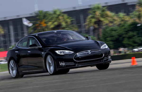 Tesla-Model-S-Norway-September-2013.-Picture-courtesy-of-motortrend.com-P2