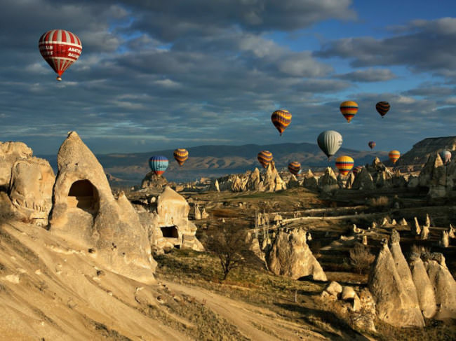 Top-10-Hot-Air-Ballooning-Cappadocia-Photo-by-Kani-Polat-740x554