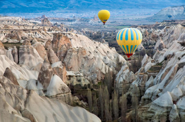 Top-10-Hot-Air-Ballooning-Cappadocia-Photo-by-Natapong-P-740x491