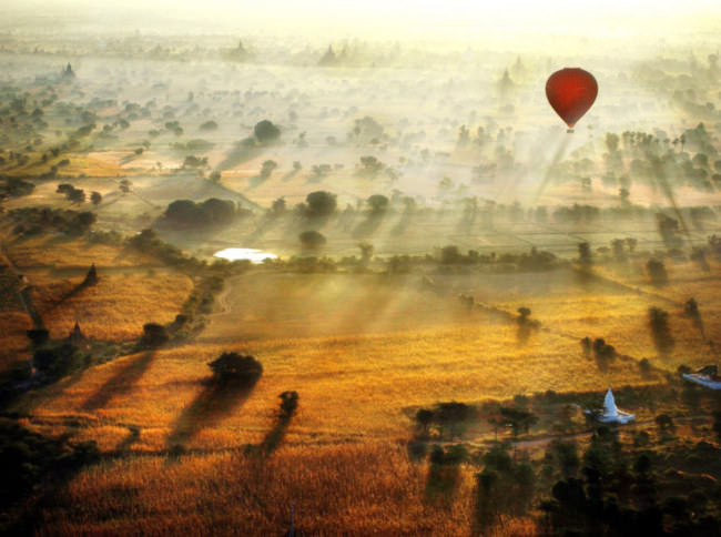 Top-10-Hot-Air-Ballooning-bagan-Photo-by-Navalarp-Teratanatorn-740x551