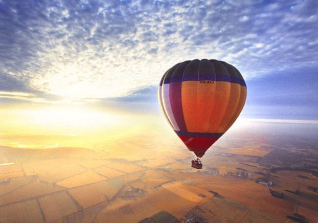 Top-10-Hot-Air-Ballooning-yarra3