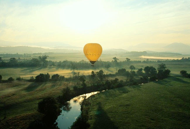 Top-10-Hot-Air-Ballooning-yarra5