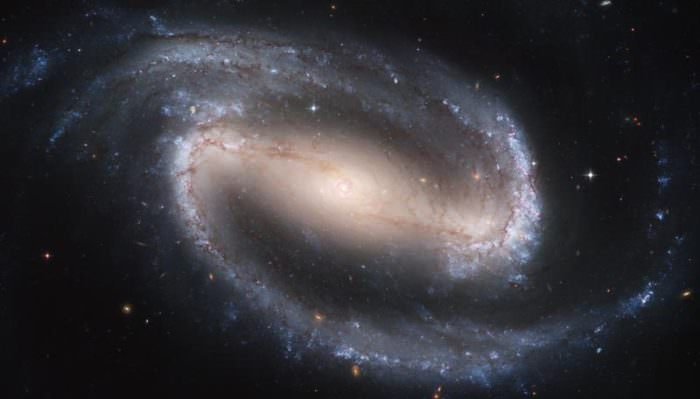 hubble-best-photos-barred-spiral-galaxy