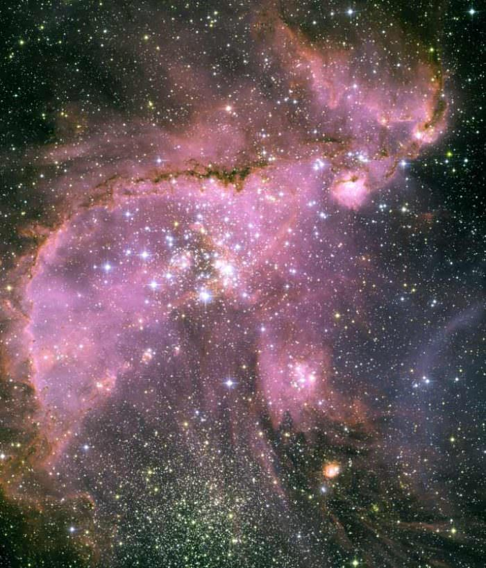 hubble-best-photos-young-stars-small-magellanic-cloud