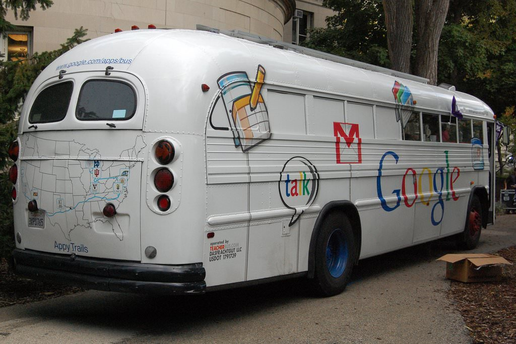 googlers-at-the-mountain-view-campus-get-a-free-ride-to-and-from-work