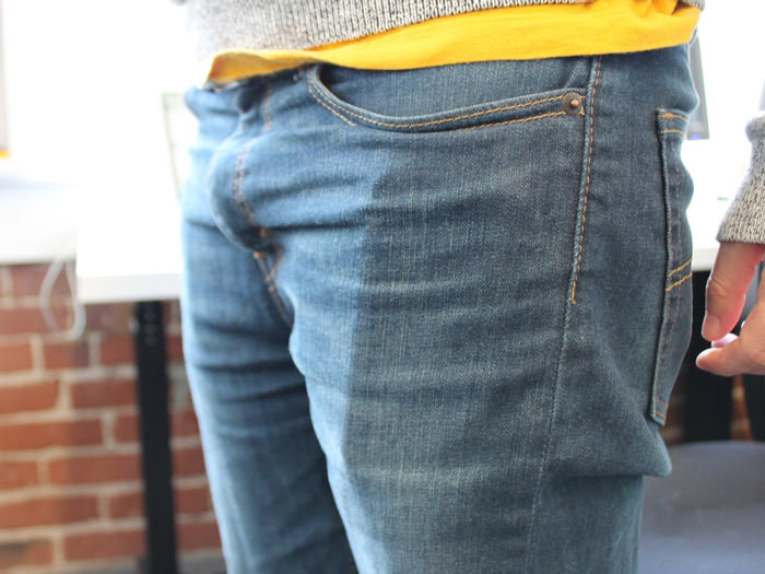 the-iphone-6-fits-perfectly-in-most-pockets