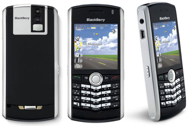 BlackBerry-Pearl-8100-2006-flagship