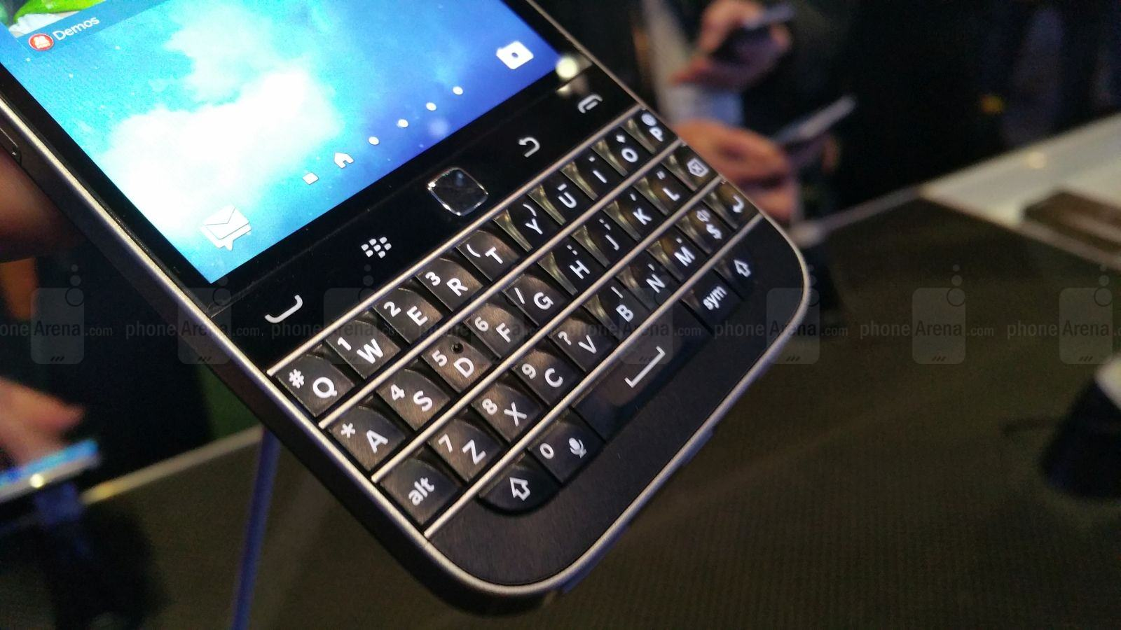 BlackBerry-Classic-hands-on 1