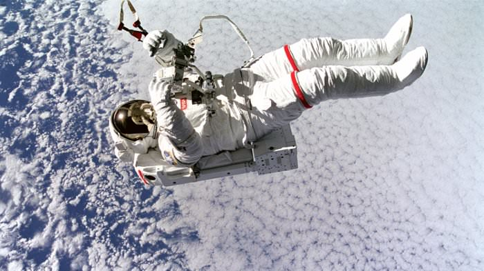 19774 space mission astronaut in space
