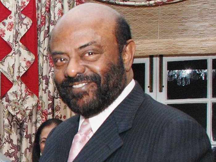 15-shiv-nadar-is-the-cofounder-of-the-hcl-group