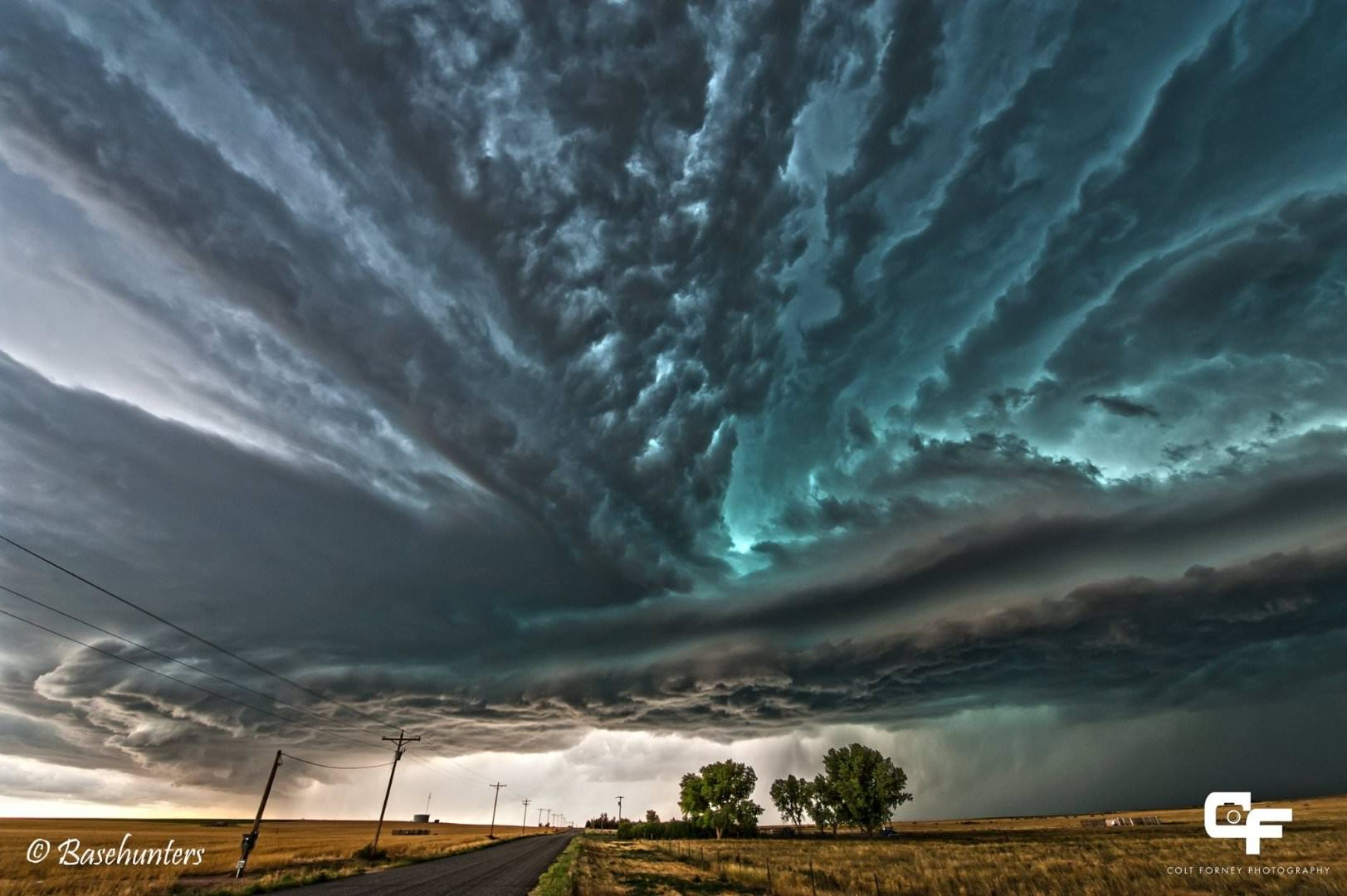 20-incredibly-shocking-cloud-formations-across-the-world-8