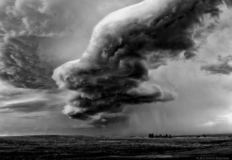 20-incredibly-shocking-cloud-formations-across-the-world-9