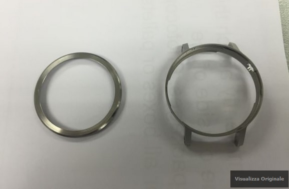 Leaked images of the Motorola Moto 360 sequel and the casing for the timepiece 4