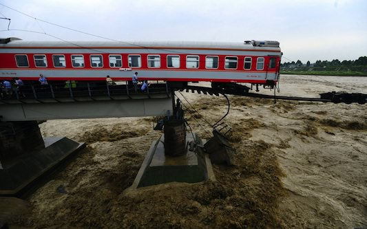 china_train_flood_s
